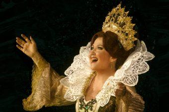 Les Huguenots: video, pictures, reviews